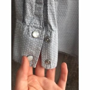 """Old Navy Shirts - """"vintage fit"""" blue & white men's snap button-up"""